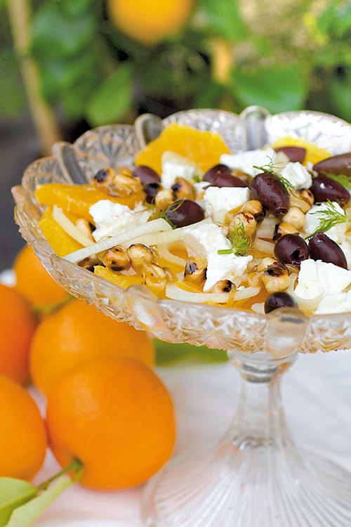 Apelsin-o-fankalssallad-med-karamelliserade-notter