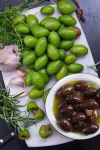 inlagda-farska-oliver-svarta