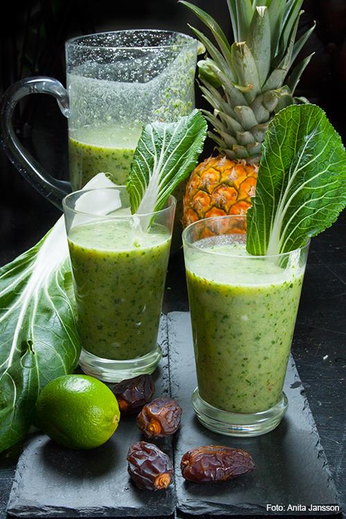 pak-soi-smoothie-med-ananas-dadlar-kokosmjolk-och-lime-img_4799-2