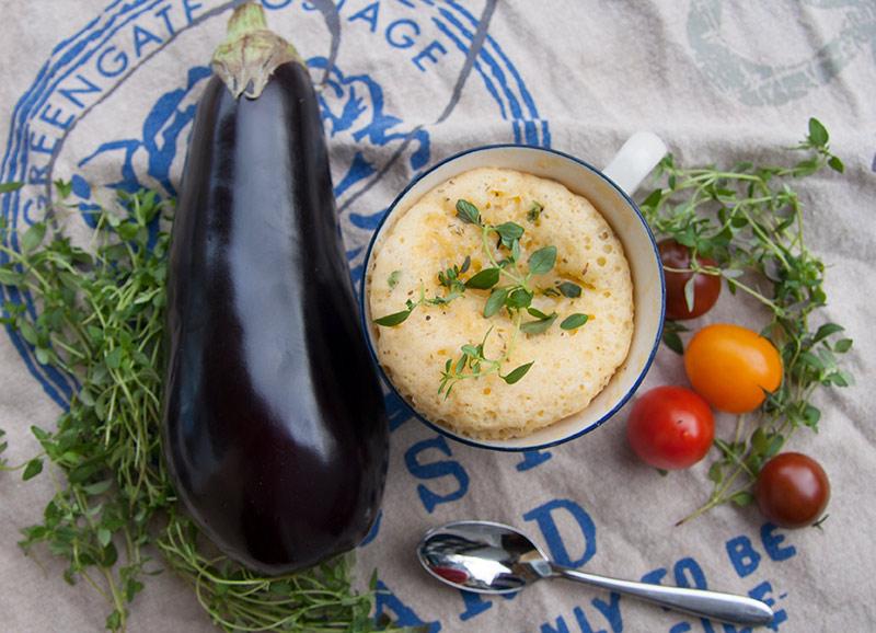 bild-mugcake-m-aubergine-tomat-o-mozzarellaost-bred
