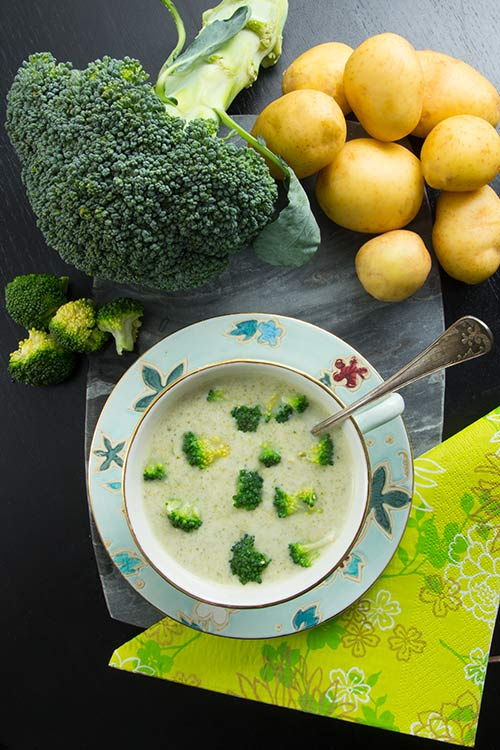 Linas-broccoli-o-potatissoppa