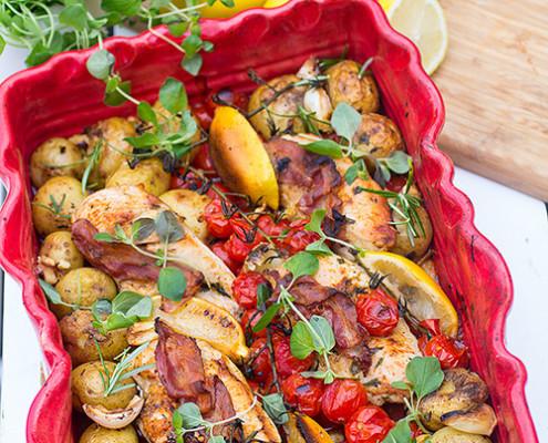 Kyckling-tomat-och-potatis-i-ugn-med-oregano-o-rosmarin-IMG_0863-liten