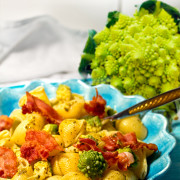 pasta-med-bacon-ruccolapesto-o-romanesco