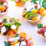 parmesankorgar-med-tomater