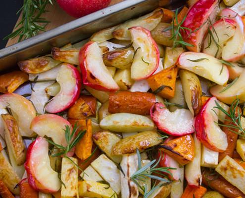 rostade-rotfrukter-m-apple-o-rosmarin