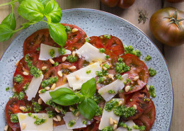 raf-marmandine-tomater-m-pesto-pinje-parmesan