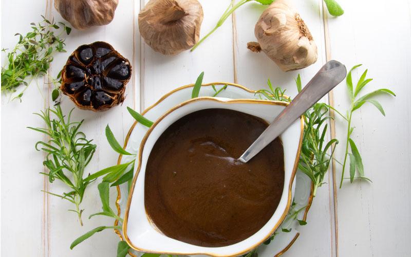 karamelliserad-lok-och-black-garlicsas-IMG_1902-bred