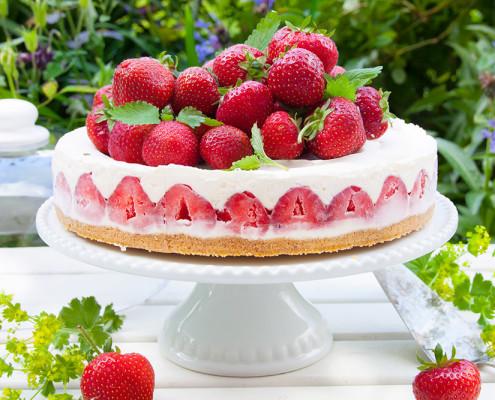 midsommar-blogg-vaniljcheescake-m-jordgubbar
